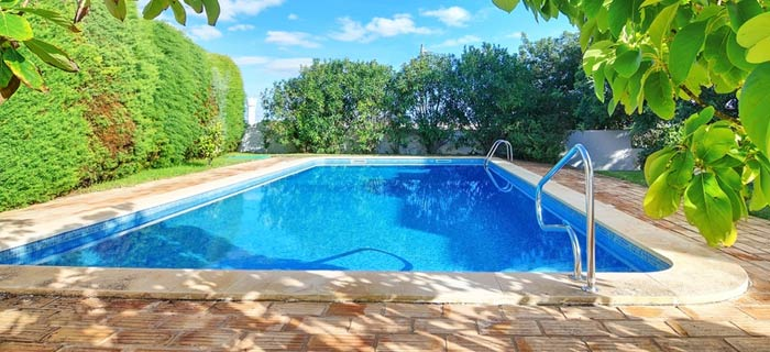 pool-area-cleaning-service-in-Australia suburbs