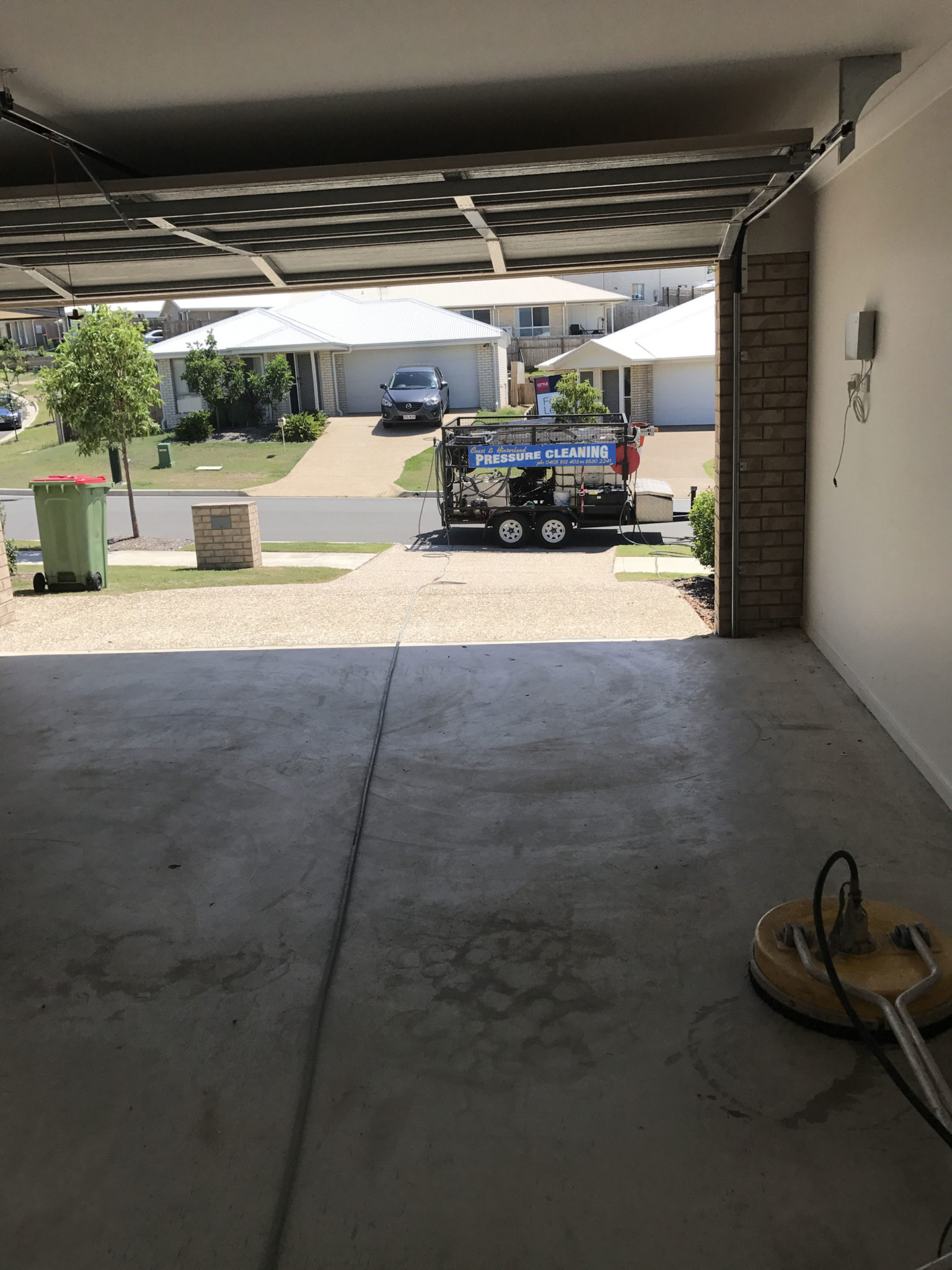 Garage floor cleaning in gold coast brisbane garage for Garage floor maintenance